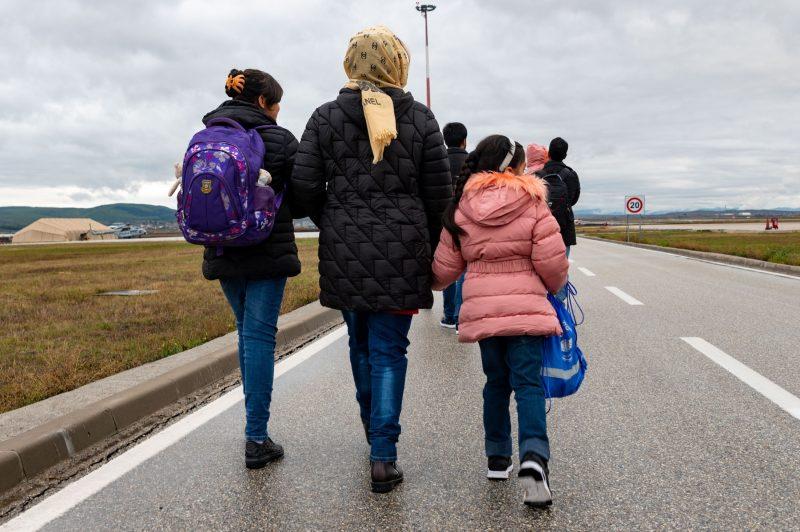 Le difficile accès à la réunification familiale pour les réfugiés afghans - Vues d'Europe